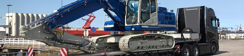 Komatsu Hydraulic Excavator On Trailer