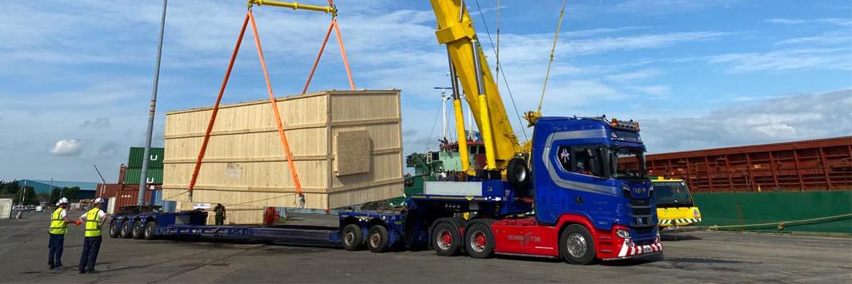 Compressor Wide Load Lift To Vessel