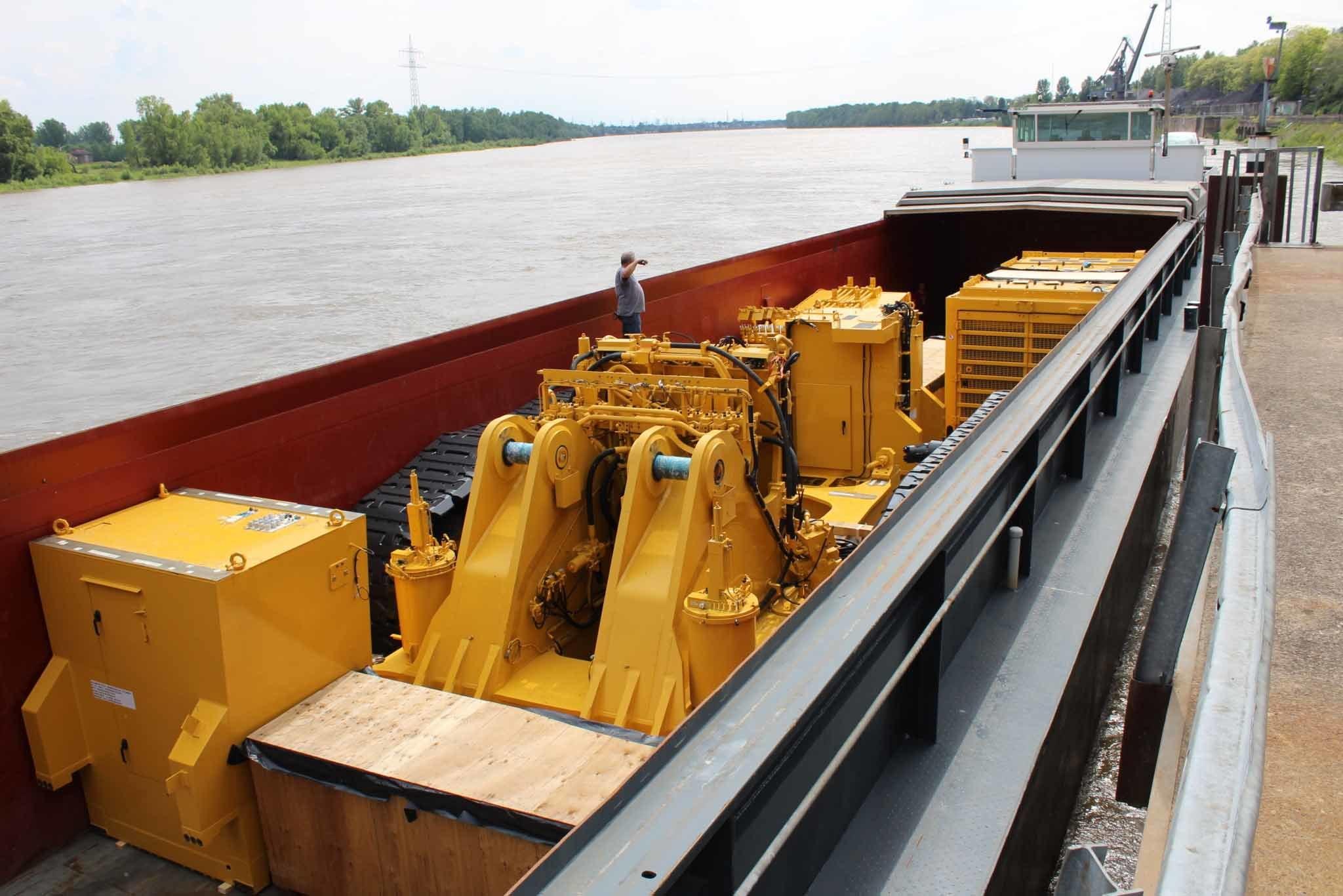 Komatsu Mining Excavator Pc4000 Barge