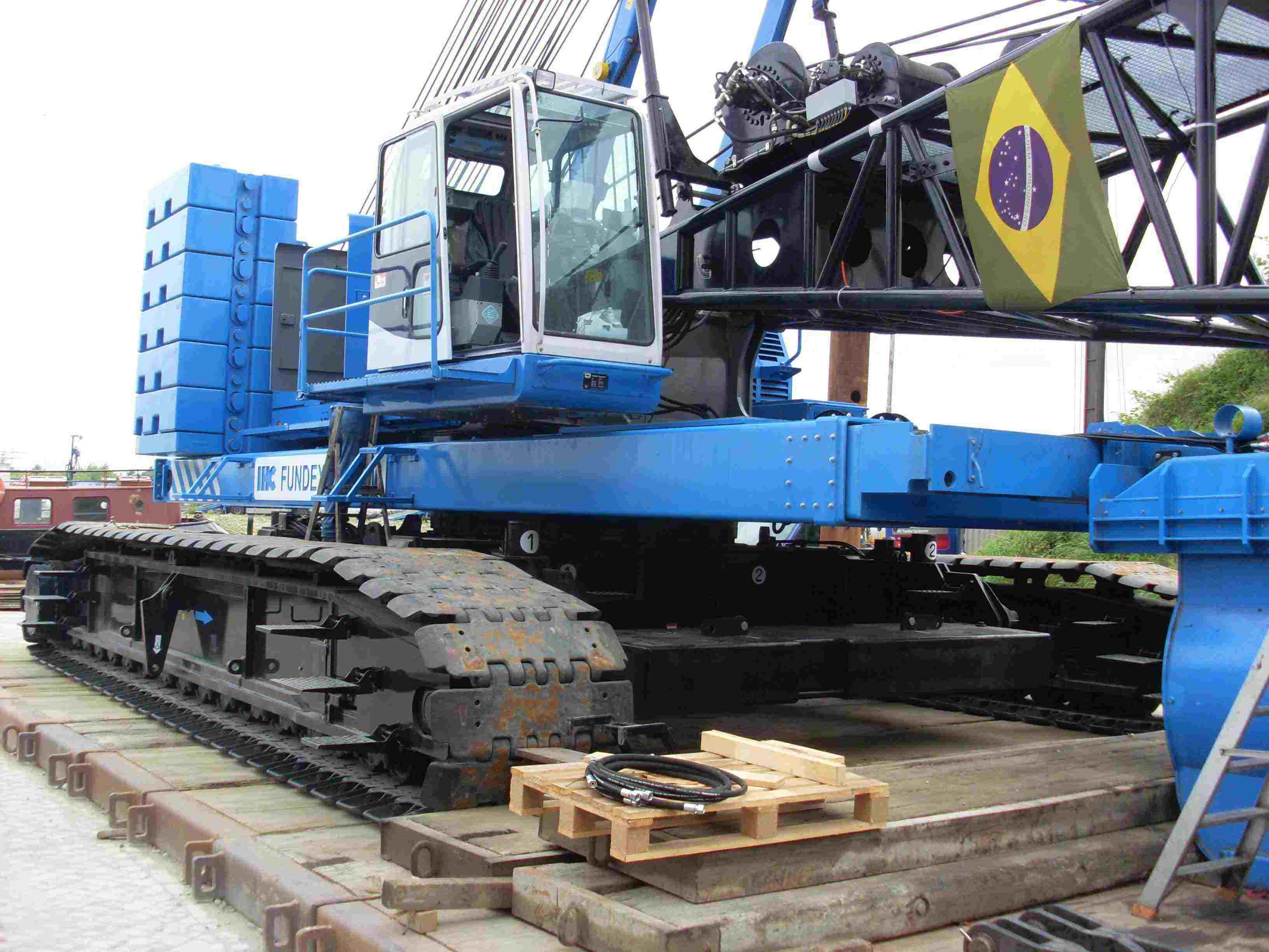 Biggest pile driving machine to South America