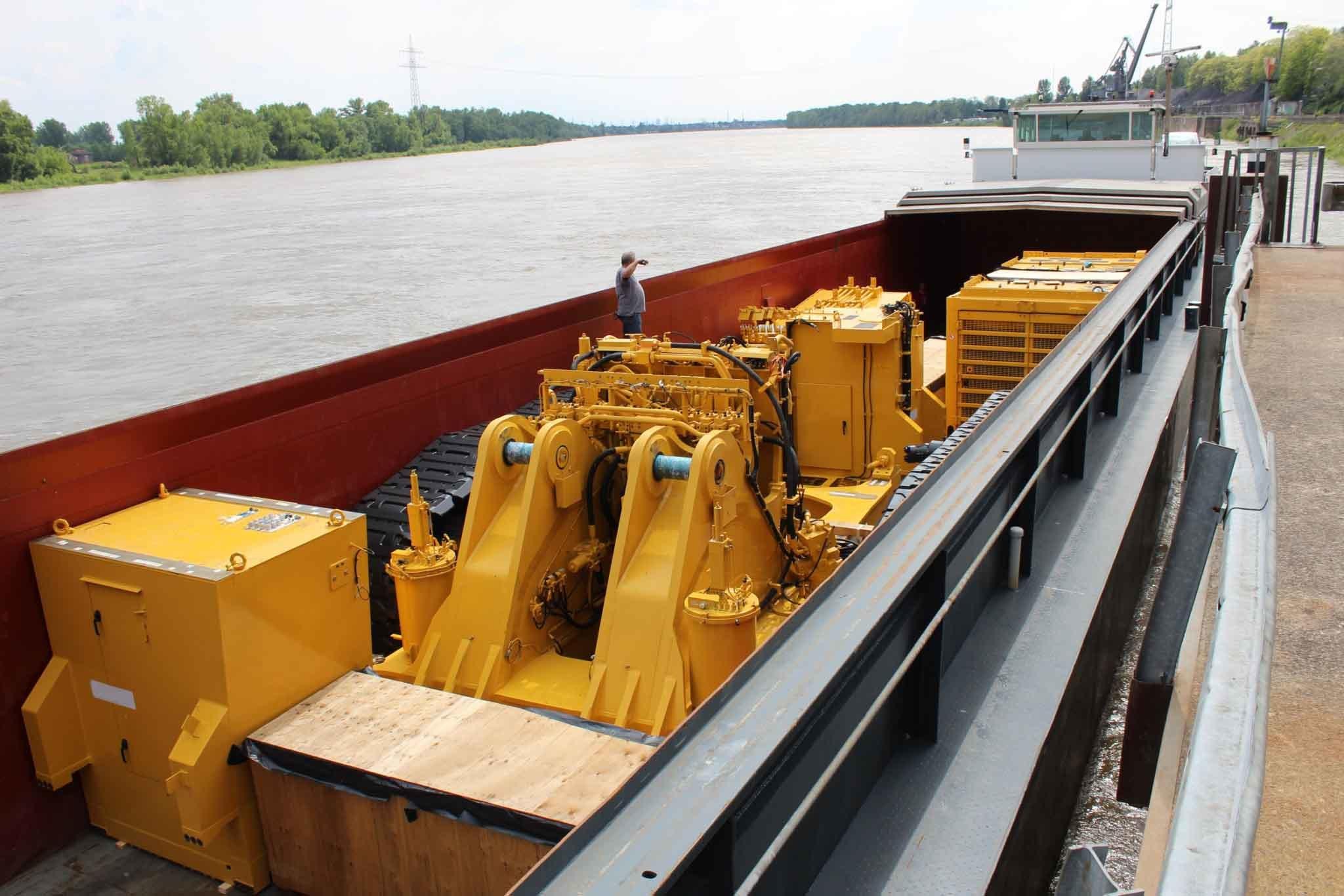 Komatsu Mining Excavator PC4000 in Barge