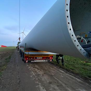 Windkraftanlage Außergewöhnliche  Fracht